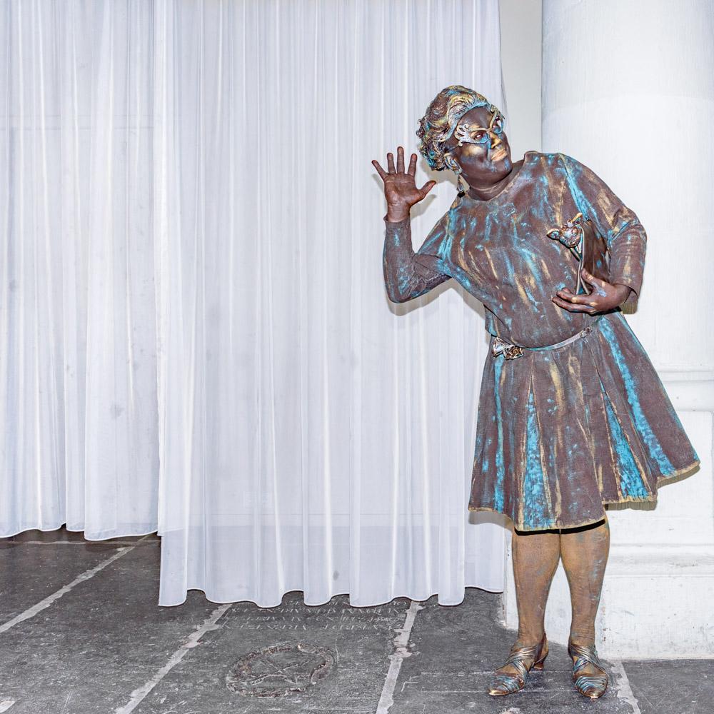 Dame Edna - eerste prijs Queens - hartjesdag 2018 amsterdam zeedijk | © Sas Schilten