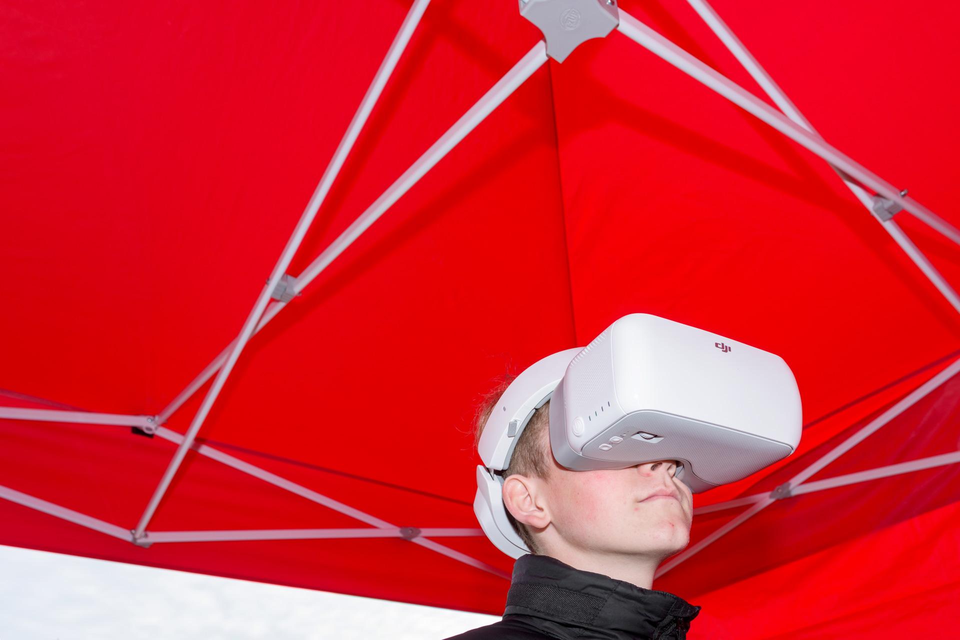 Face Reality | kijken door drone camera tijdens besturing- Dronefestival TT Assen 2019 | Sas Schilten ★ Fotografie