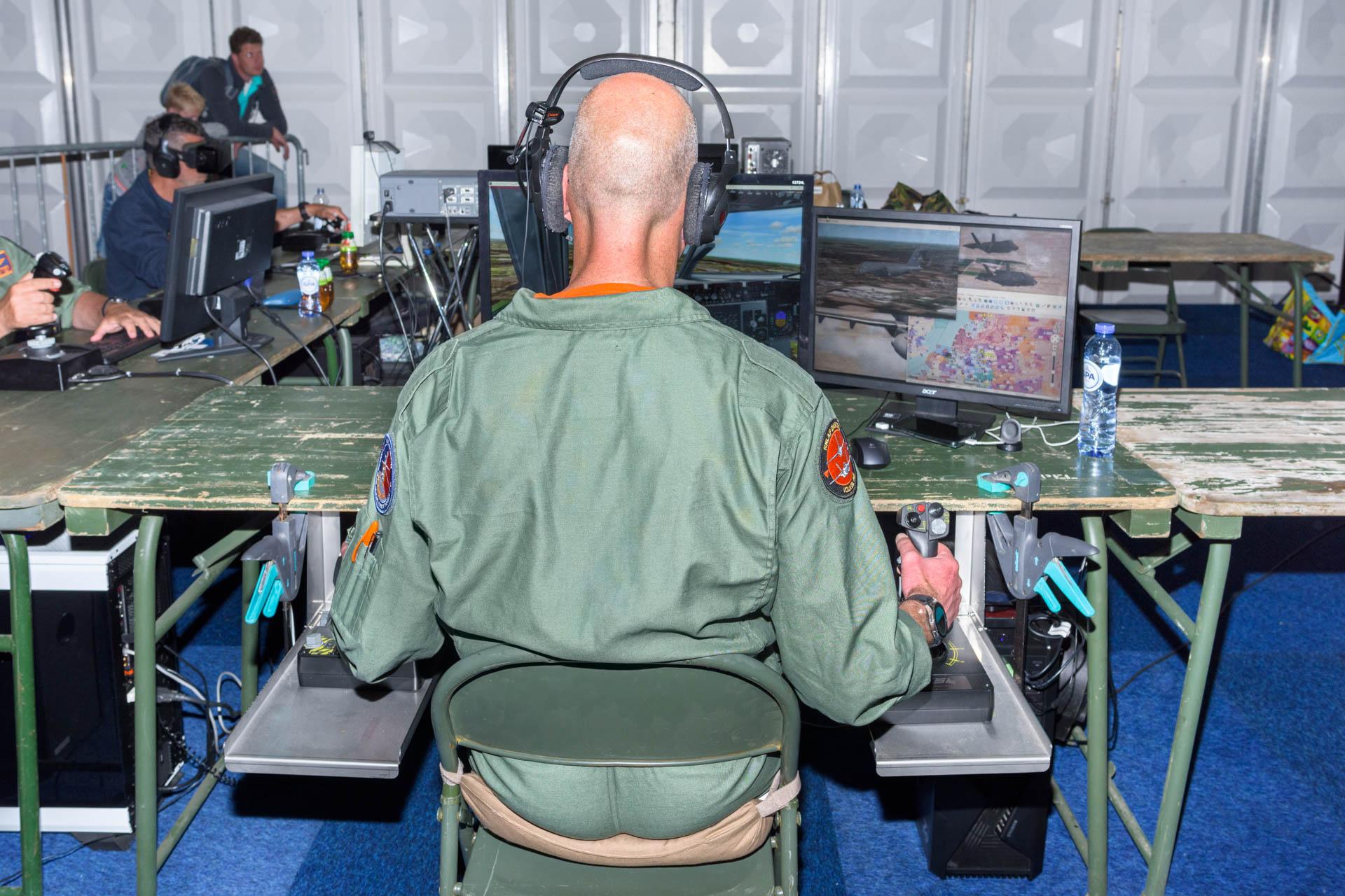 Face Reality | Militaire vliegsimulatie - Luchtmachtdagen Volkel 2019 | Sas Schilten ★ Fotografie