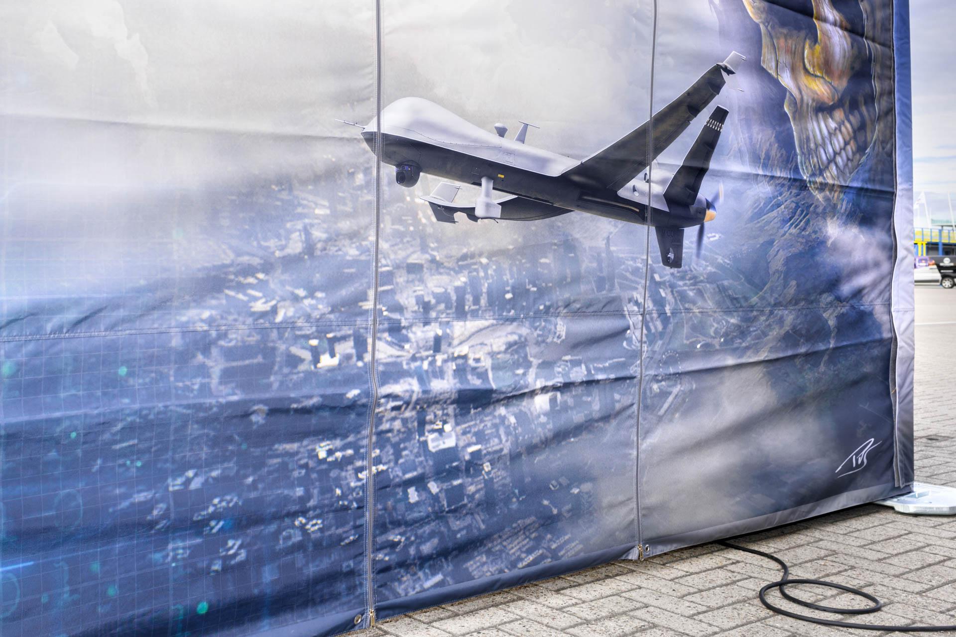 Face Reality | MQ-9 Reaper Defensie drone afbeelding op doek infostand defensie - Dronefestival TT assen 2019 | Sas Schilten ★ Fotografie