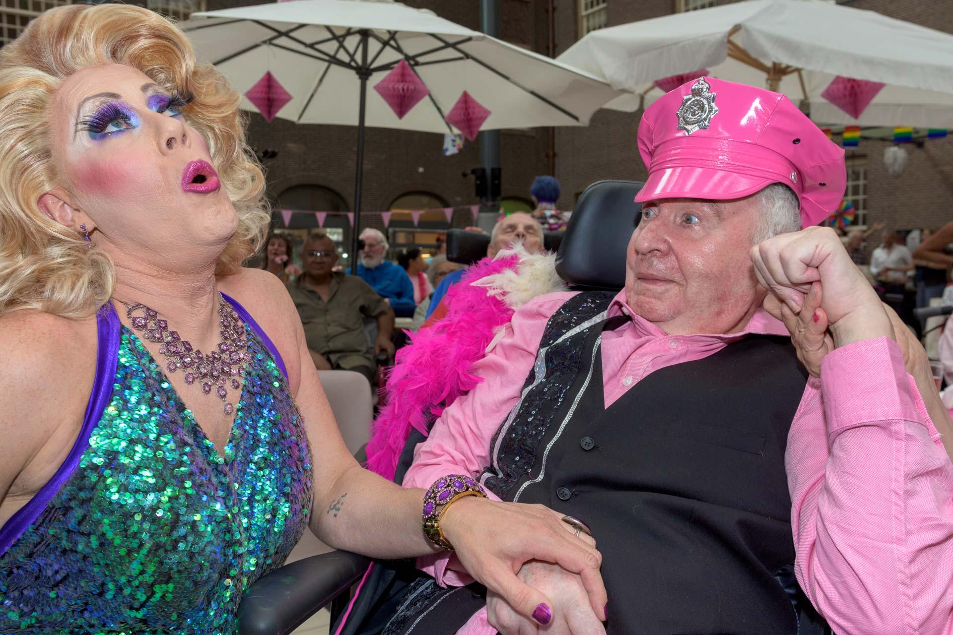 aandacht voor roze ouderen