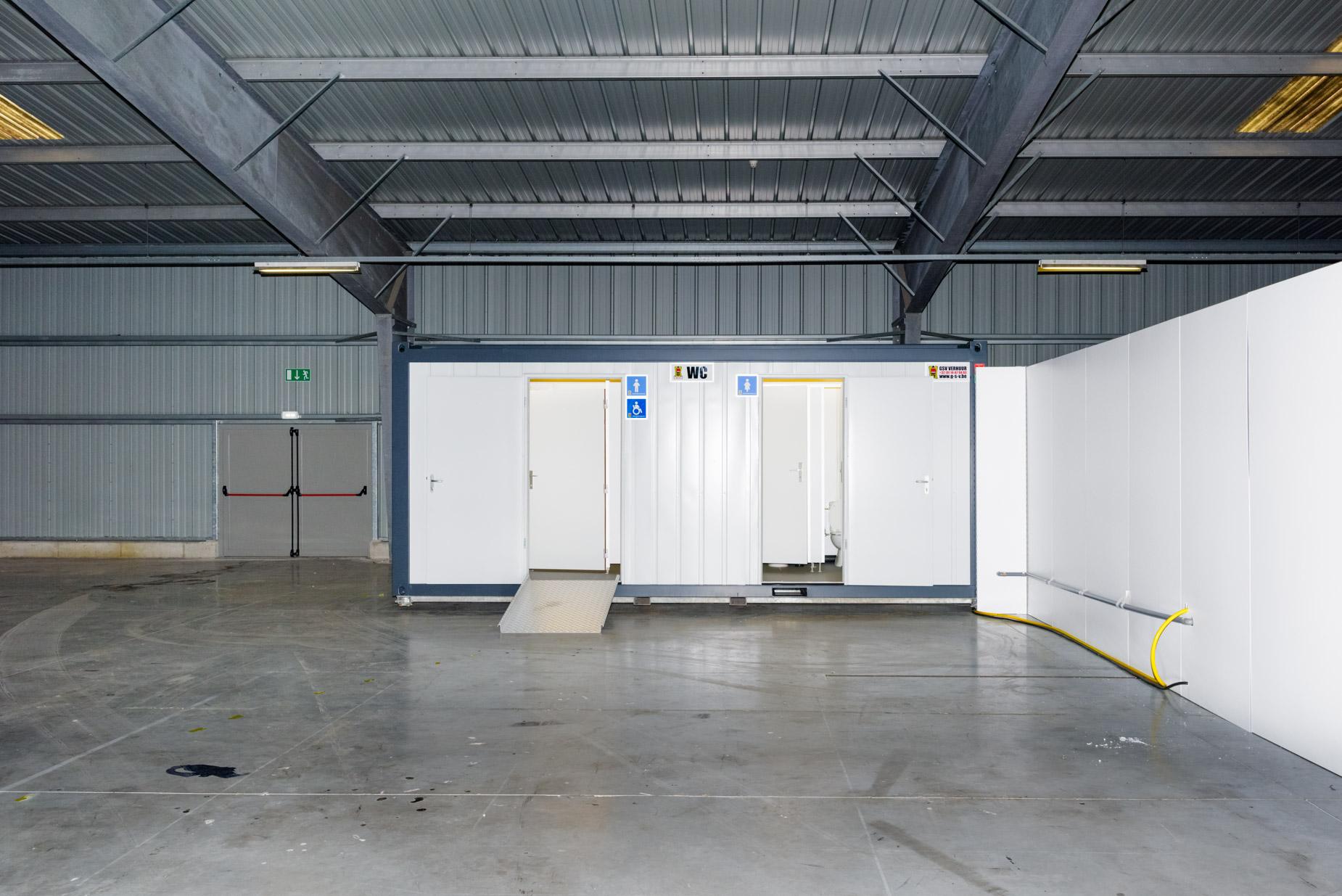 Dry-run vaccinatiecentrum in de NAVO-hallen van Weelde (be) | Sas Schilten Documentaire Fotografie